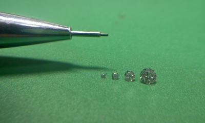 0.6ミリメレーダイヤモンド